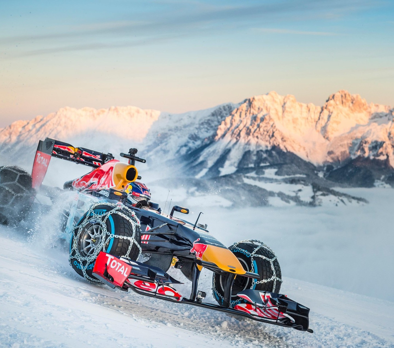 RBR Show Run in Austria: Max & RB7 5