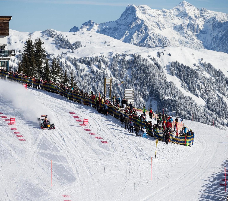 RBR Show Run in Austria: Max & RB7 3